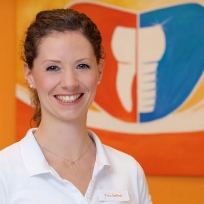 Jessica Siebert (Zahnärztin)